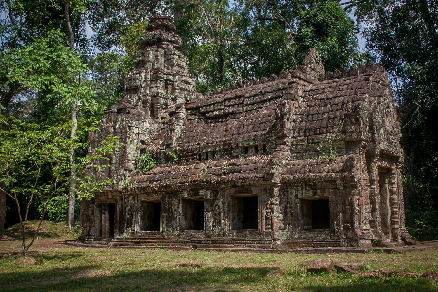 how to travel from phnom penh to angkor