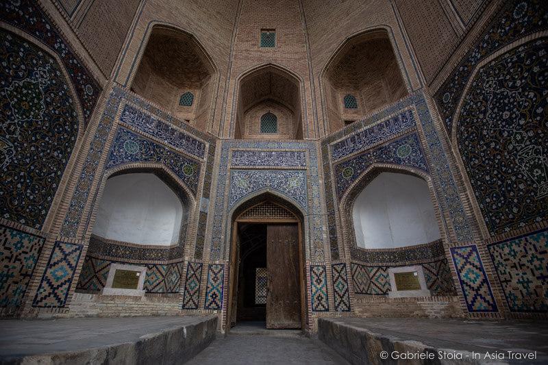 Ingresso Madrasa Miri-Arab - Po-i-Kalyan © Gabriele Stoia