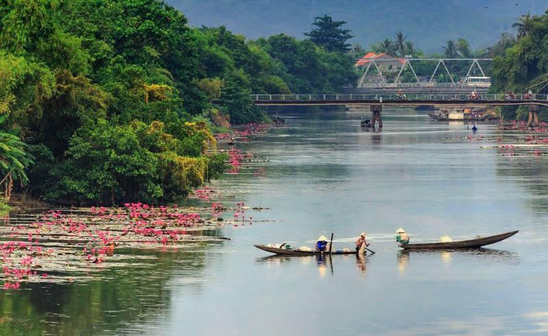 Veduta sul Fiume dei Profumi – Huè, Vietnam