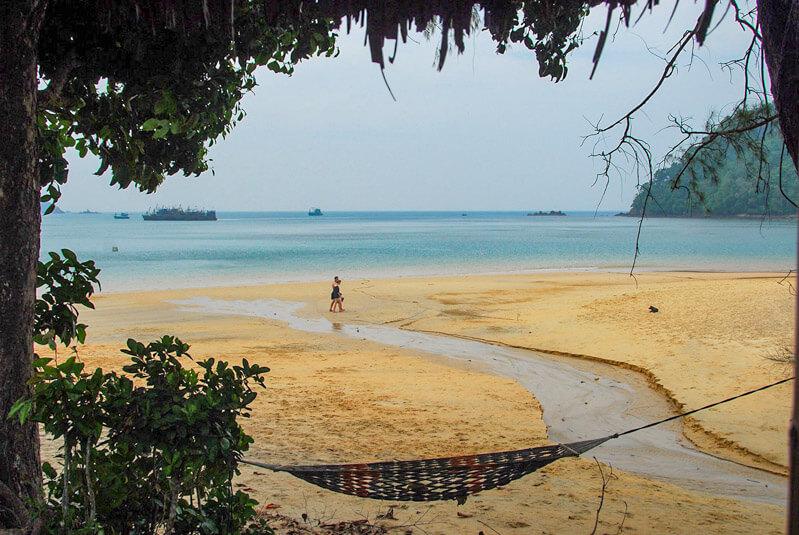 A Koh Phayam si trova Ao Kwang Peeb, una bella e isolata spiaggia del sud est Asia