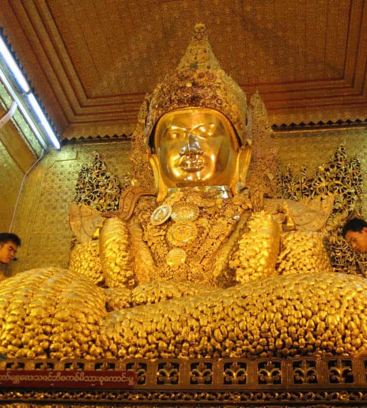 La Pagoda Mahamuni di Mandalay